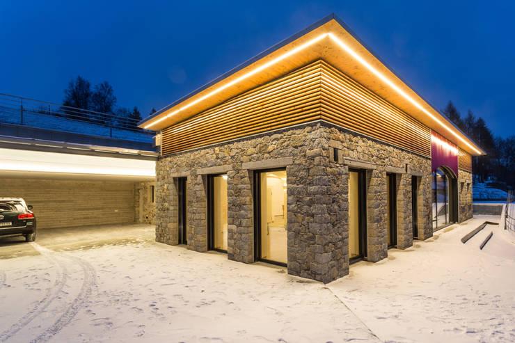 Hausfassade Aus Naturstein Und Holz Von Jahn Gewölbebau