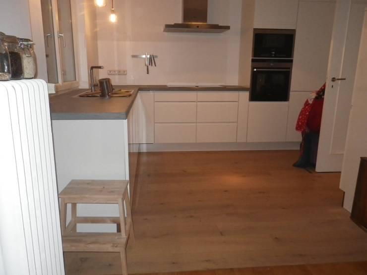 beton cir arbeitsplatte von kunze innenausbau homify. Black Bedroom Furniture Sets. Home Design Ideas