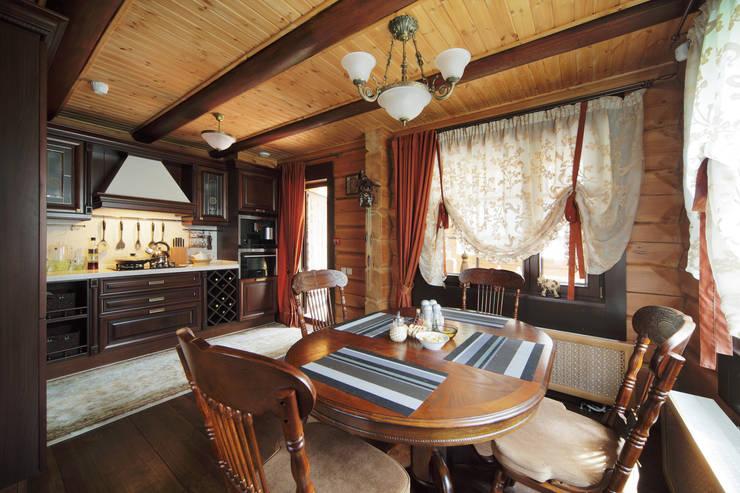 Коттедж в Сысерти: Столовые комнаты в . Автор – Ирина Шаманова