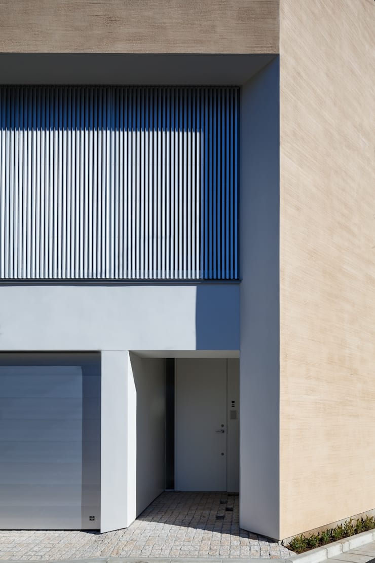 駒場の家: 山崎壮一建築設計事務所が手掛けた家です。