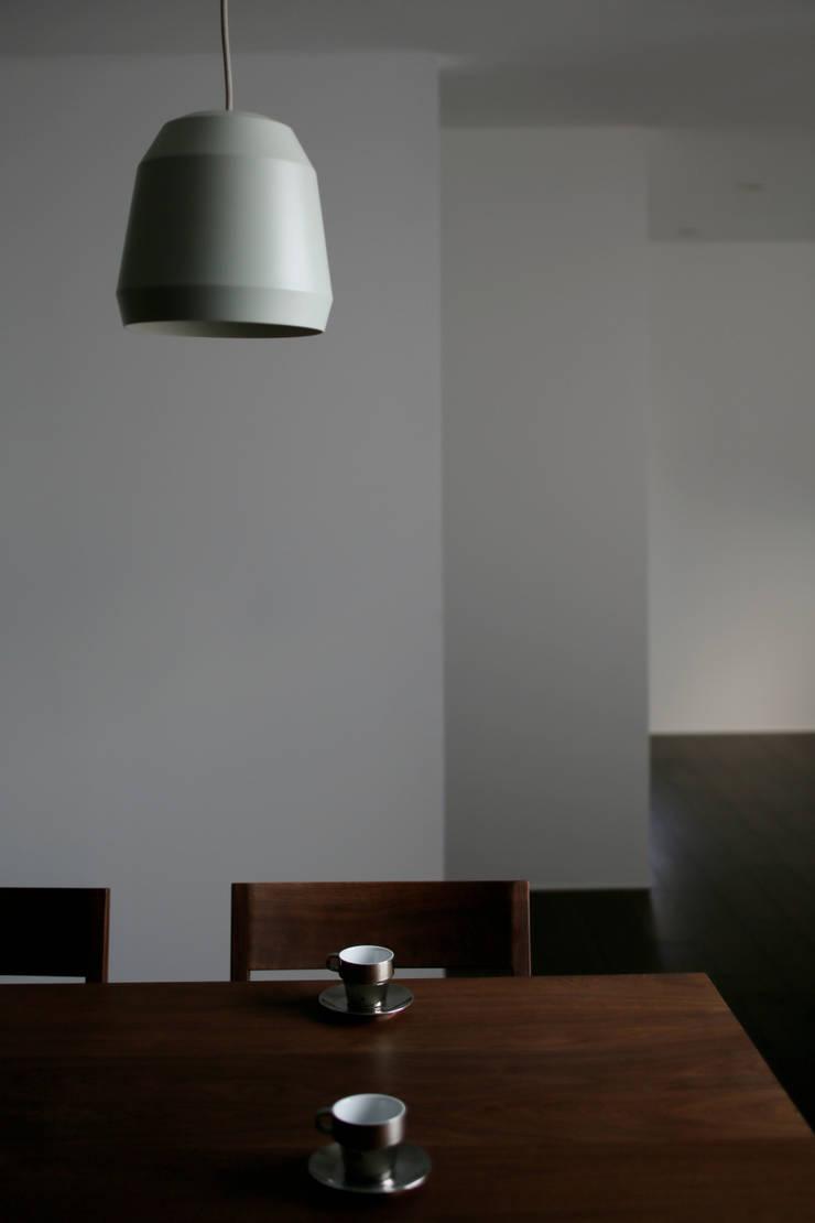 Rumah oleh 深山知子一級建築士事務所・アトリエレトノ, Modern