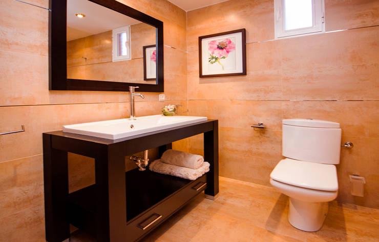 Clásico, el estilo que revaloriza.: Baños de estilo  de Apersonal