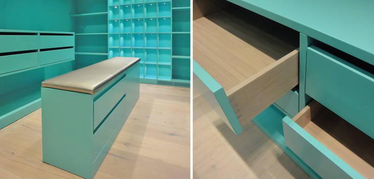 Details Ankleide:  Ankleidezimmer von Tim Diekhans Architektur