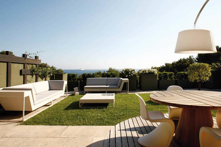 Pina: Giardino in stile  di Studio Fabio Fantolino