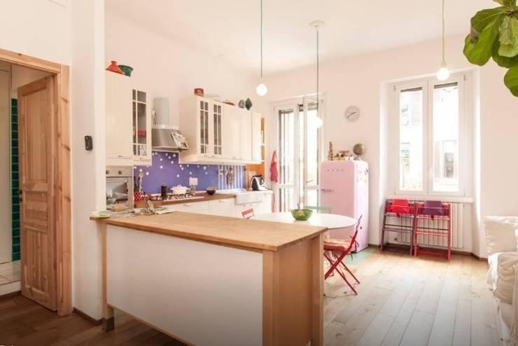 Casa F&C - Milano: Bagno in stile  di barbarapenninoarchitetto