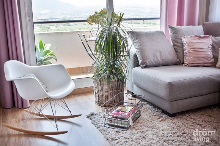 Salas de estar  por Dröm Living