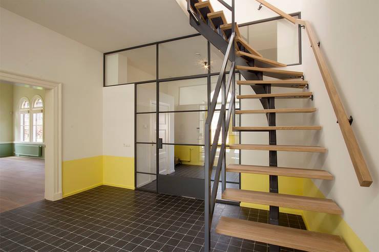 trap:  Gang en hal door Architectenbureau Vroom