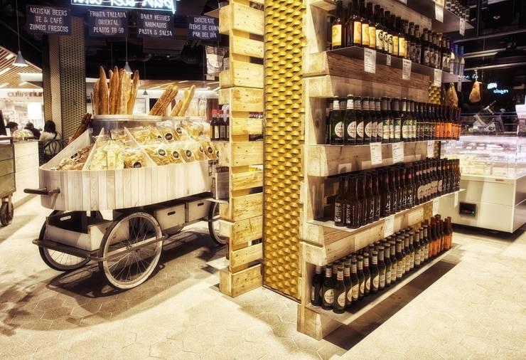 Estanterías de palé: Oficinas y tiendas de estilo  de Paletto's Furnature