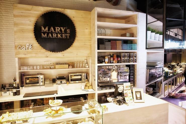 Muebles tras-barra: Oficinas y tiendas de estilo  de Paletto's Furnature