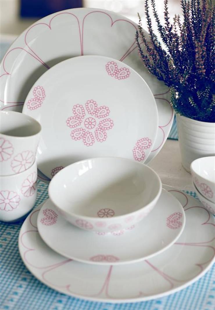 Porcelanowy zestaw Makatka Róż marki Zulana: styl , w kategorii Jadalnia zaprojektowany przez Zulana