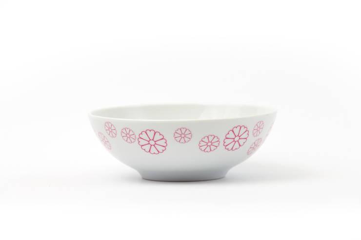Porcelanowa miseczka Makatka Róż marki Zulana (śr.16cm): styl , w kategorii Jadalnia zaprojektowany przez Zulana