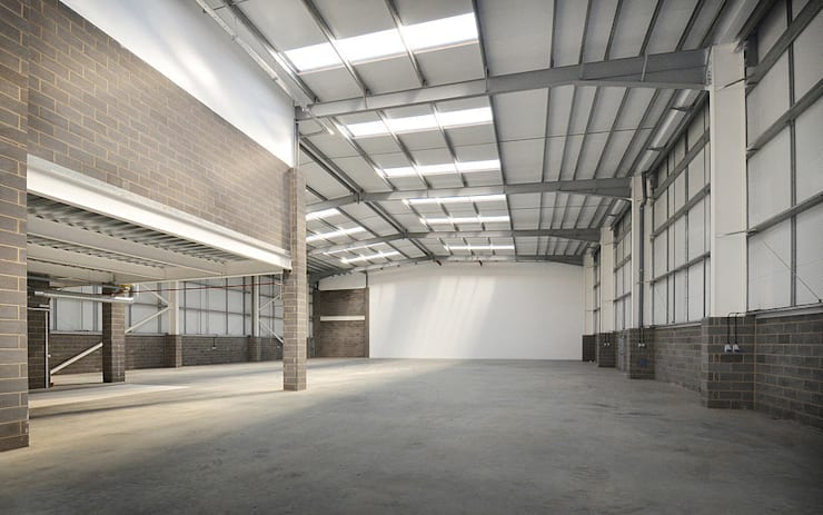 Commercial Interior:  Commercial Spaces by Graham D Holland