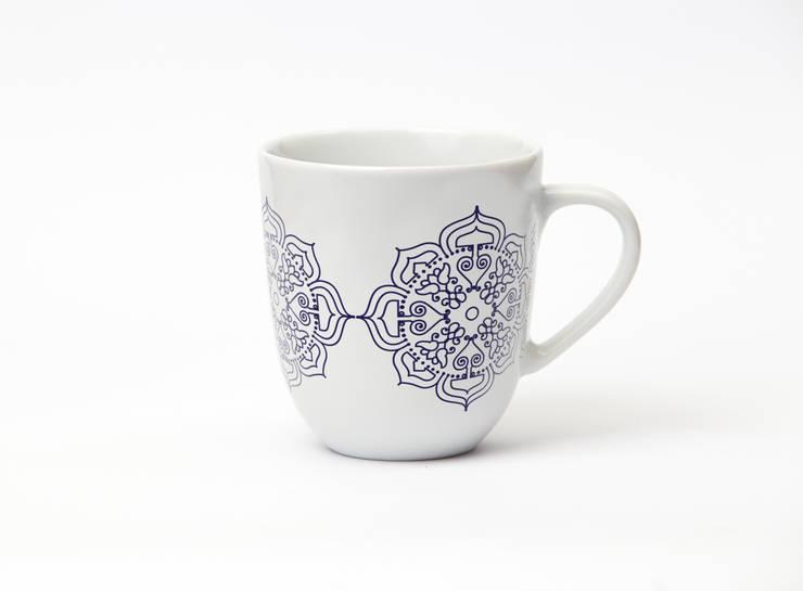 Porcelanowy kubek z kolekcji Etno marki Zulana (poj.0.35l): styl , w kategorii Jadalnia zaprojektowany przez Zulana