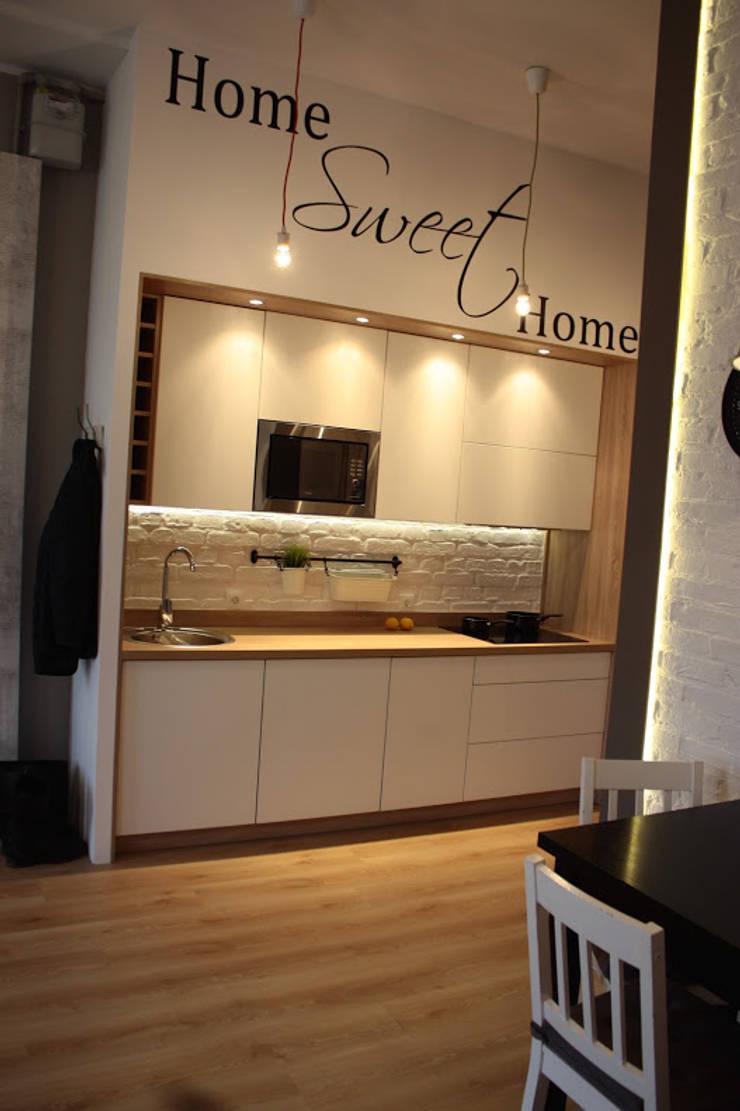 Metamorfoza Apartamentu : styl , w kategorii Kuchnia zaprojektowany przez Remline Jakub Skowroński,Skandynawski