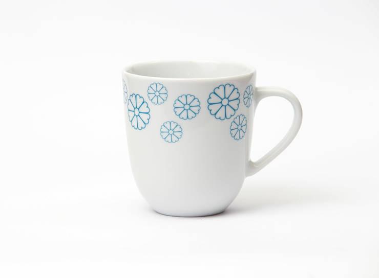 Porcelanowy kubek z kolekcji Makatka Turkus marki Zulana (poj.0.35l): styl , w kategorii Jadalnia zaprojektowany przez Zulana,