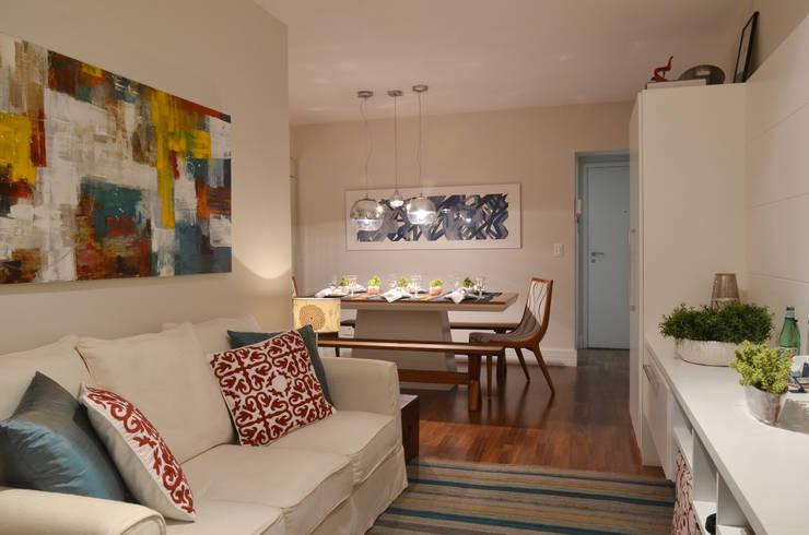 Apartamento Vila Olímpia /SP Salas de estar modernas por Renata Romeiro Interiores Moderno