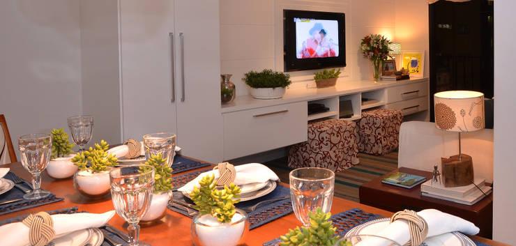 Apartamento Vila Olímpia /SP Salas de jantar modernas por Renata Romeiro Interiores Moderno