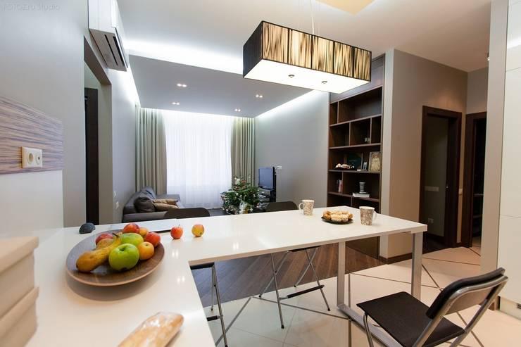 Вид на гостиную: Столовые комнаты в . Автор – Аврора - частный дизайнер интерьера (ИП)