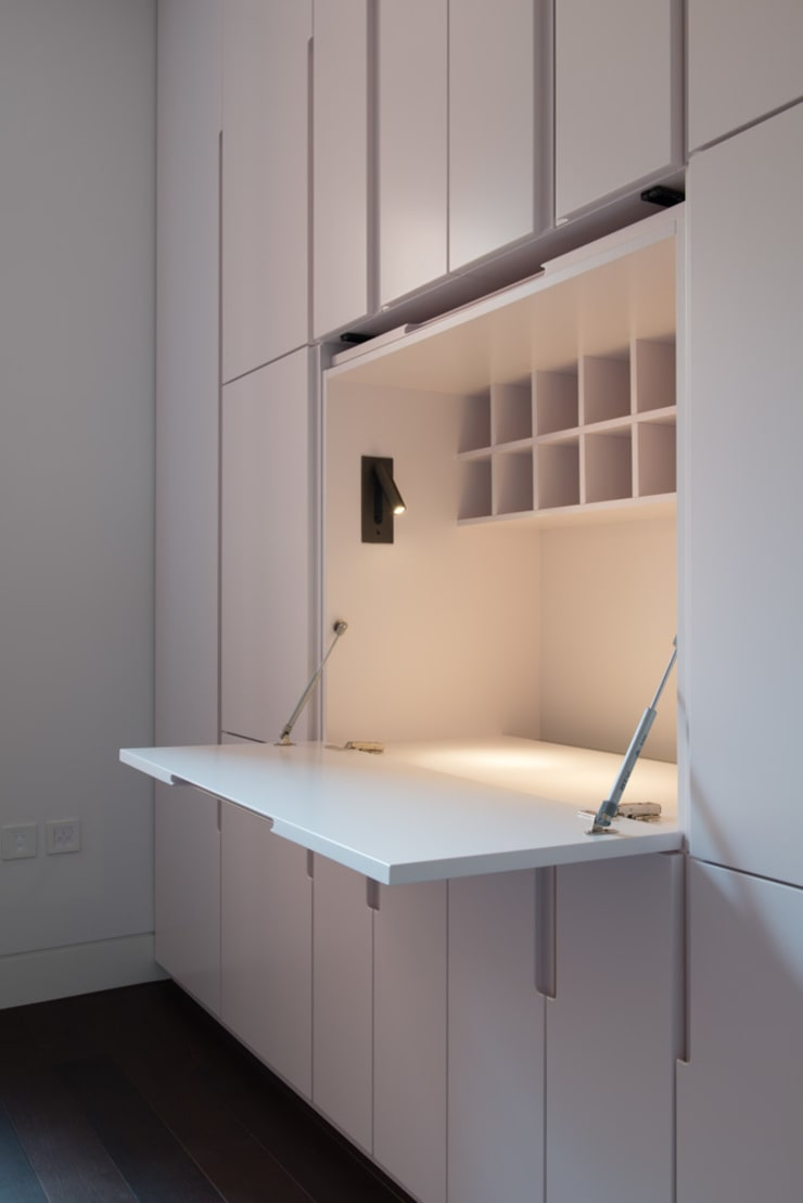 London Maida Vale flat refurbishment:  Study/office by Ar'Chic