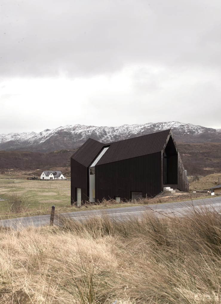 House At Camusdarach Sands North Elevation:  Houses by Raw Architecture Workshop