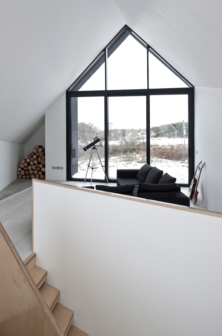 House At Camusdarach Sands West View:  Walls by Raw Architecture Workshop
