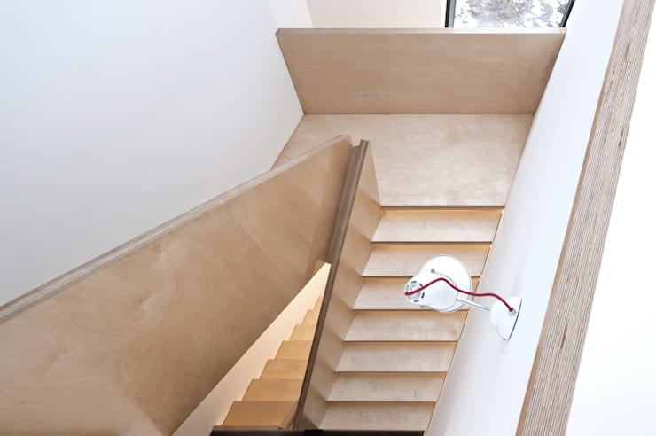 House At Camusdarach Sands Stair:  Corridor & hallway by Raw Architecture Workshop