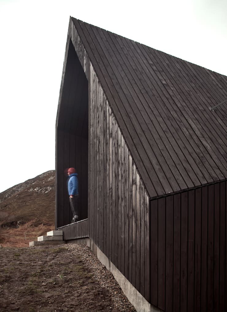 House At Camusdarach Sands External Cladding:  Houses by Raw Architecture Workshop