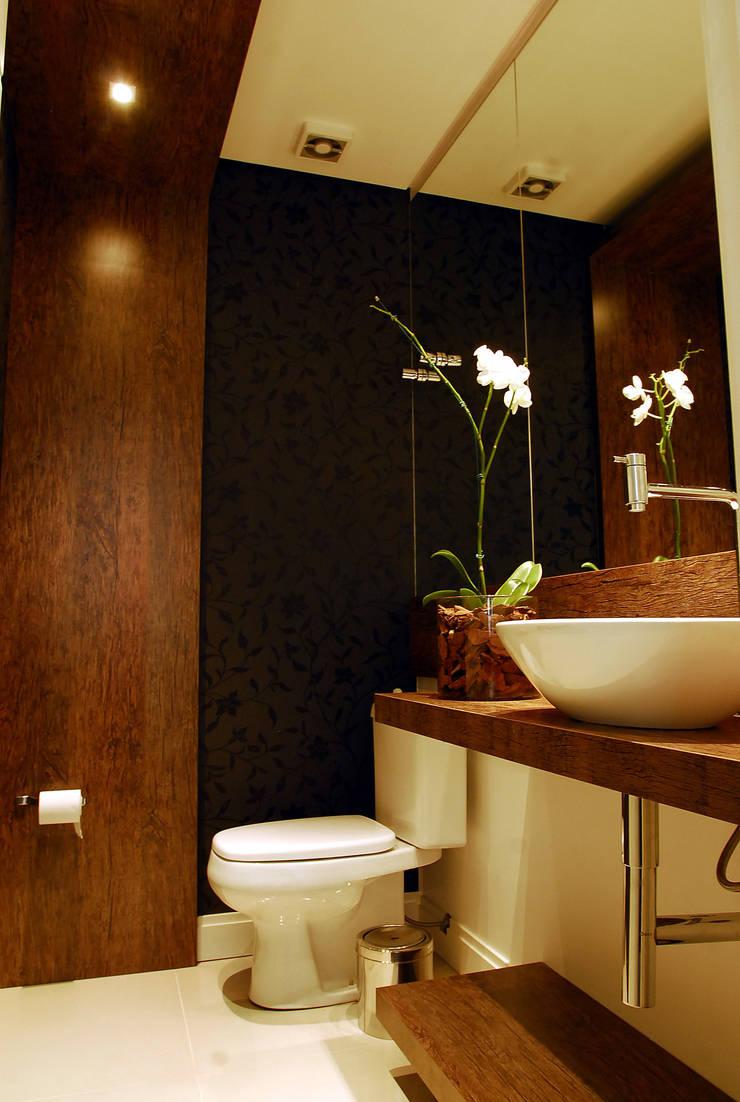 Lavabo: Banheiros modernos por ARQUITETURA - Camila Fleck