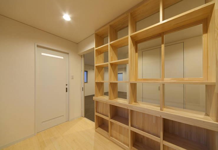 萱方の住宅: 山口修建築設計事務所が手掛けた勉強部屋/オフィスです。