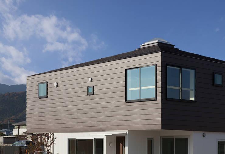 萱方の住宅: 山口修建築設計事務所が手掛けた家です。