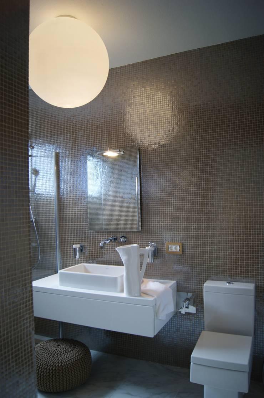ванная комната: Ванные комнаты в . Автор – VNUTRI
