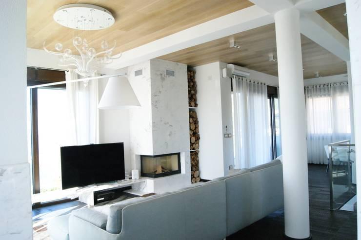 гостиная: Гостиная в . Автор – VNUTRI