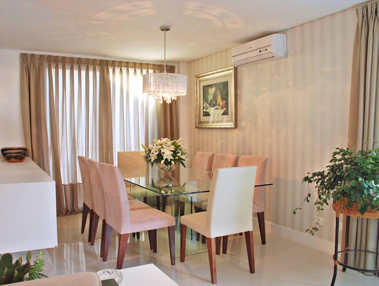 Casa CR Salas de jantar clássicas por Neoarch Clássico