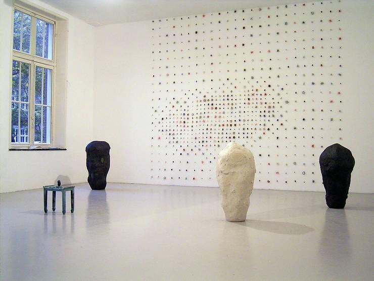 Sampler Dots:  Kunst  door Marian Bijlenga