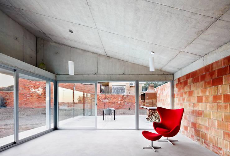 Salas / recibidores de estilo  por Pepe Gascón arquitectura