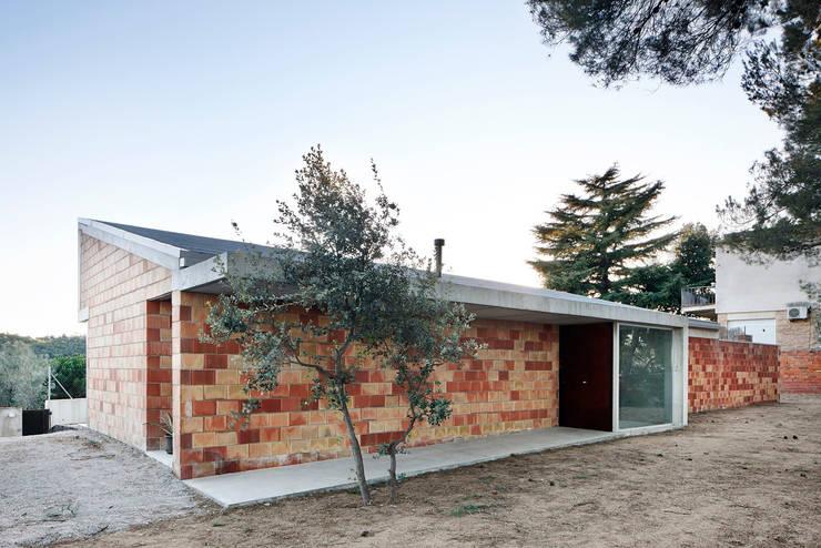 Projekty, industrialne Domy zaprojektowane przez Pepe Gascón arquitectura