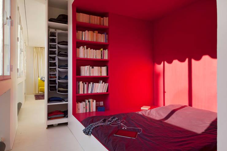 Appartement Manin au Buttes Chaumont : Chambre de style  par Ramsés Salazar Architecte