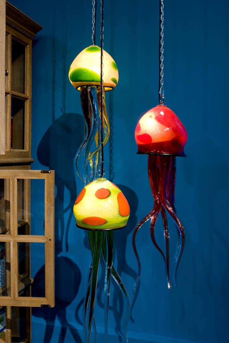 Medusas MCJ2: Paisajismo de interiores de estilo  de Alba Martín Vidrio Soplado