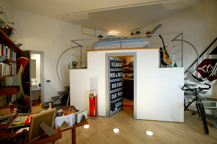 Dormitorios de estilo  por Simone Grazzini