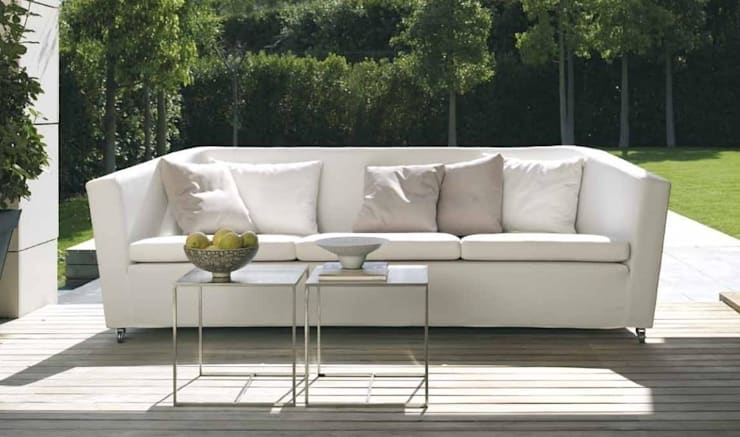 Sofá modelo GLASSE, diseñado por Margot Viarnés: Salones de estilo  de Grupo Temas V