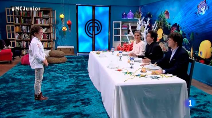 FINAL Master chef Junior 2.: Paisajismo de interiores de estilo  de Alba Martín Vidrio Soplado