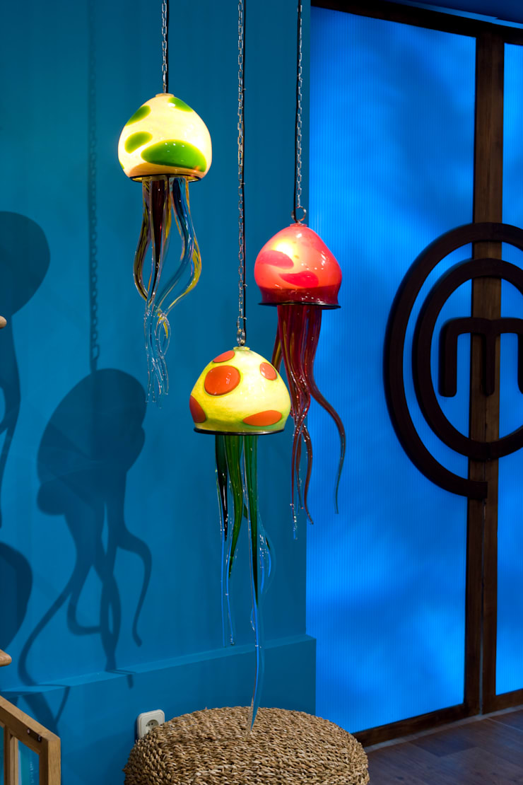 Medusas: Paisajismo de interiores de estilo  de Alba Martín Vidrio Soplado
