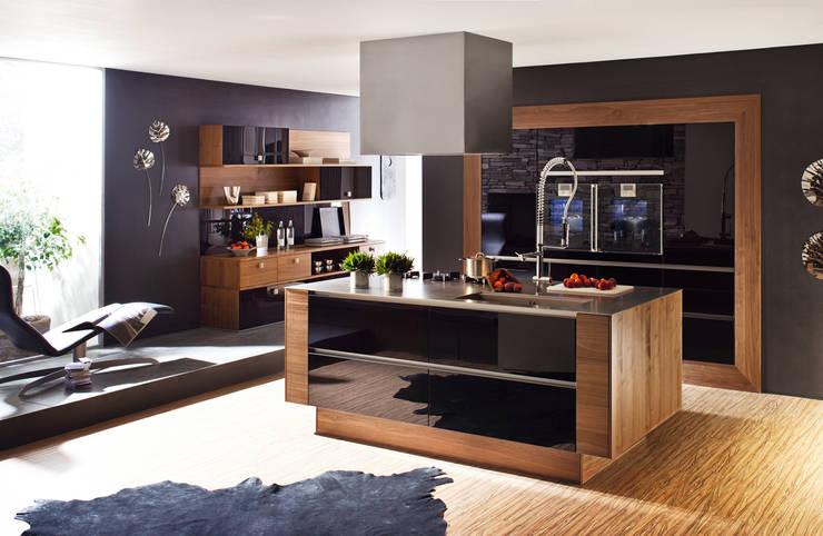 Cocinas de estilo moderno por Küchenwerkstatt Josef Kriener