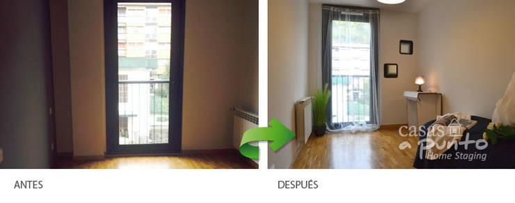 Dormitorio, despacho.:  de estilo  de Casas a Punto home staging