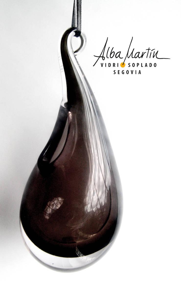 jarrón colgante: Hogar de estilo  de Alba Martín Vidrio Soplado