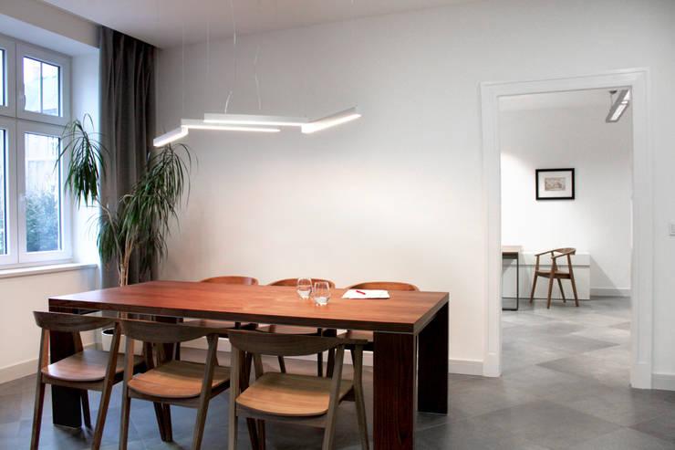 Kancelaria prawna w Bielsku-Białej: styl , w kategorii Biurowce zaprojektowany przez M+ DESIGN Marta Dolnicka Marchaj