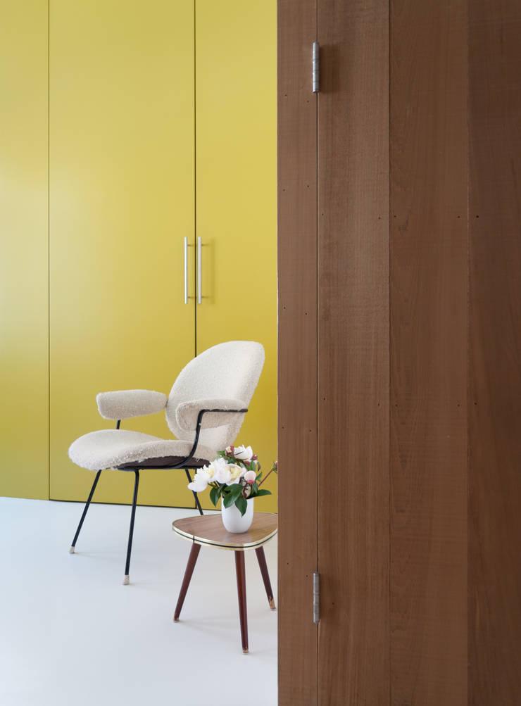 Nieuwe Wever:  Slaapkamer door BO6, Modern