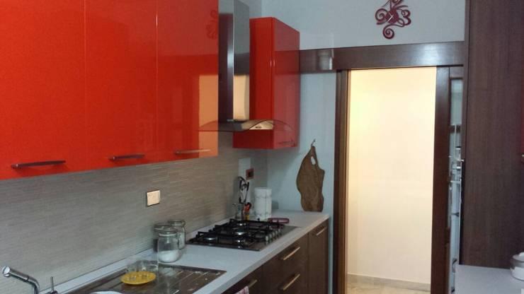 Cucina : Cucina in stile in stile Moderno di Roberta Rose