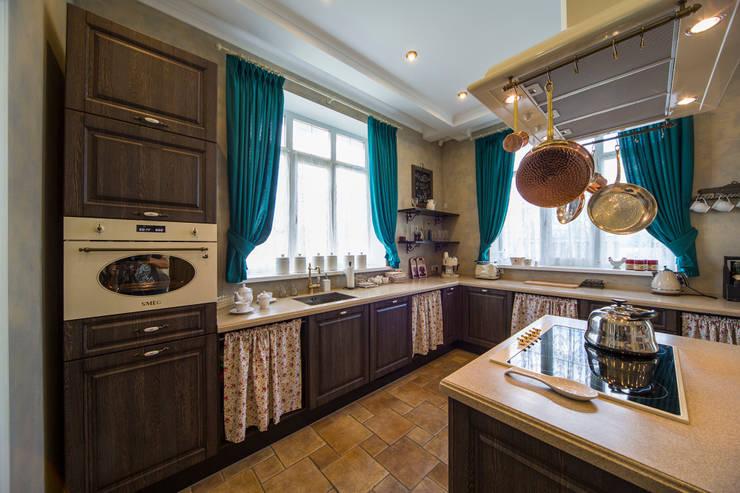 Cocinas de estilo ecléctico por Дизайн мастерская Елены Тимченко