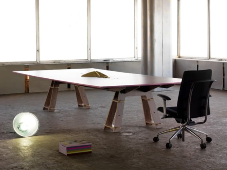 todó mobiliario: Comedor de estilo  por lorenzo alvarez arquitectos